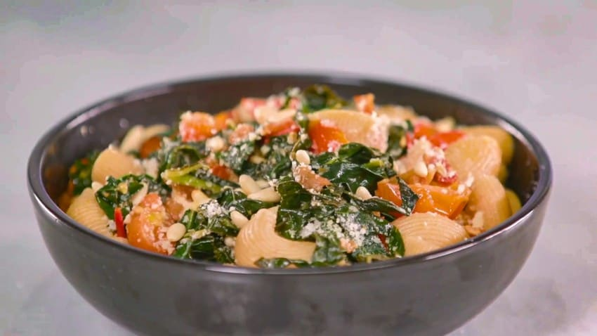Pancetta Pasta Recipe with Kale, Tomato