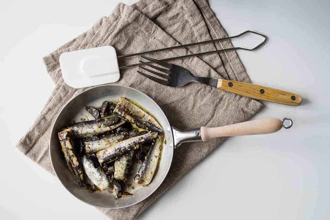 5-Minute Keto Fried Sardines Recipe with Olives