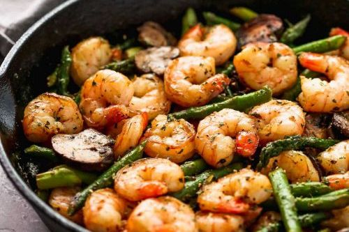 8 Garlic Shrimp Asparagus Skillet