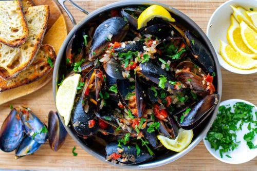 12. Instant Pot Keto Mussels Marinara