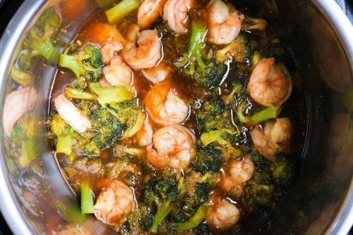 14. Instant Pot Shrimp and Broccoli