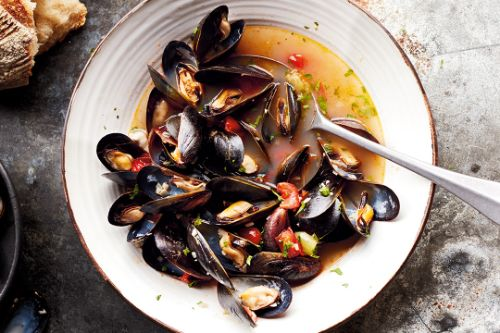 7. Mussels With Tomatoes and White Wine Broth